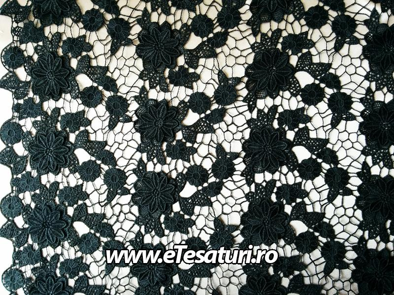 broderie 3D neagra 02