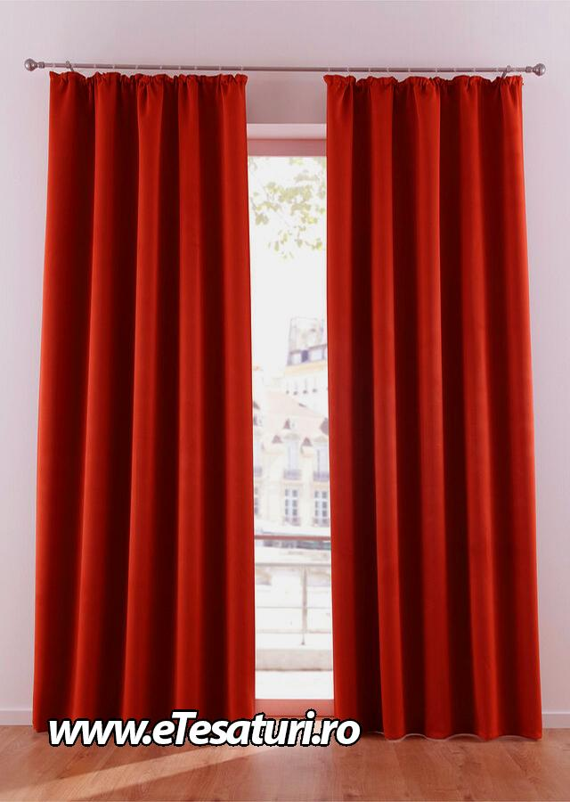 draperie rosie