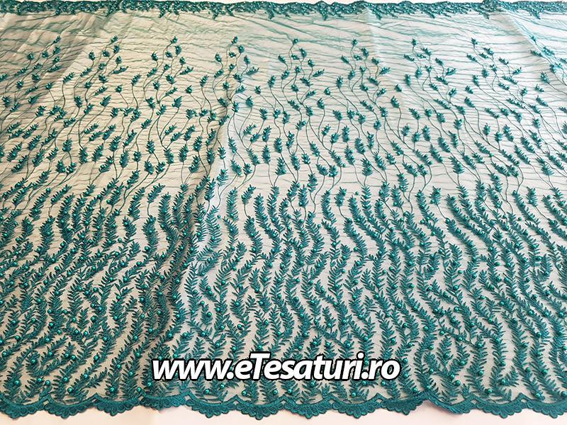 dantela verde cu margele